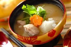 Смачний рецепт супу з галушками з рису по-румунськи