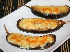 """Запечені баклажани в духовці або рецепт страви з баклажанів """"Жульєн грибний з печериць в баклажанових човниках"""""""