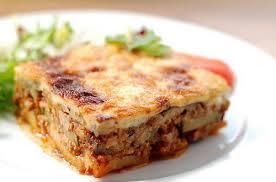 Мусака з баклажанами по-грецьки, рецепт з фаршем та сиром, смачні баклажани запечені в духовці