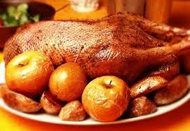 Качка з яблуками, запечена в духовці, рецепт приготування з фото (покроковий)