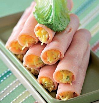 Рулетики з сиром і часником або шинка фарширована – смачна святкова закуска, рецепт з фото