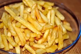 Як правильно посмажити картоплю на сковороді: смачно, зі скоринкою, хрустку, прямо як фрі, рецепт з відео і фото
