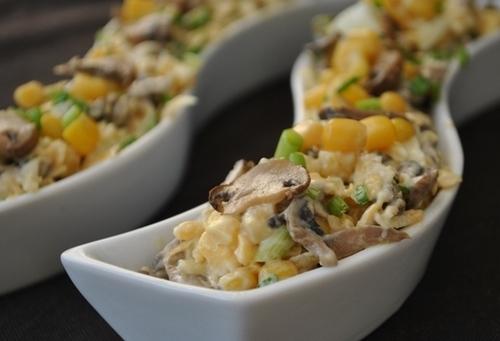 Грибний салат з печерицями, сиром і яйцями. Простий, смачний і корисний рецепт з фото.