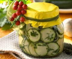 Салат з огірків на зиму або домашні заготовки зі свіжих огірків, рецепт простий, покроковий з фото