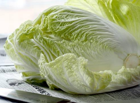 Пекінська капуста – користь і шкода для організму. Властивості, калорійність і які вітаміни в пекінській капусті.