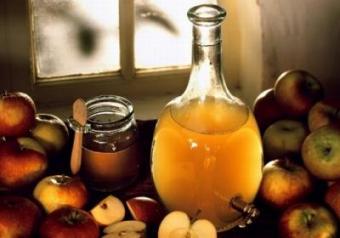 Натуральний домашній яблучний оцет – рецепт як приготувати яблучний оцет в домашніх умовах.