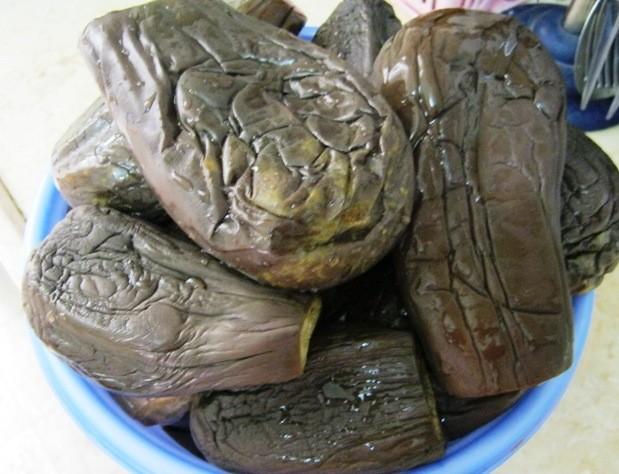 Смачна турша з баклажанів і квасолі – домашній рецепт закуски з баклажанів на зиму.