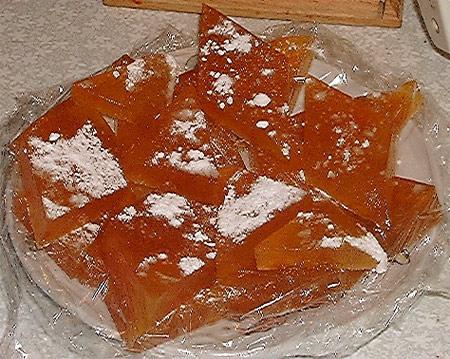 Абрикосовий мармелад з яблуками – рецепт простий у приготуванні і добре збережеться на зиму.