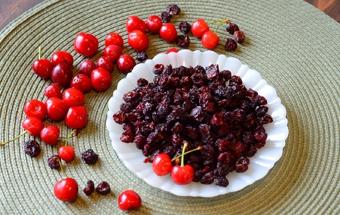 Солодка сушена Вишня – корисний домашній рецепт для збереження корисних властивостей вишні.