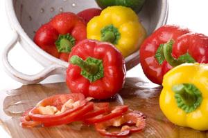 Солодкий болгарський перець – користь і шкода. Які властивості, вітаміни і калорійність перцю.
