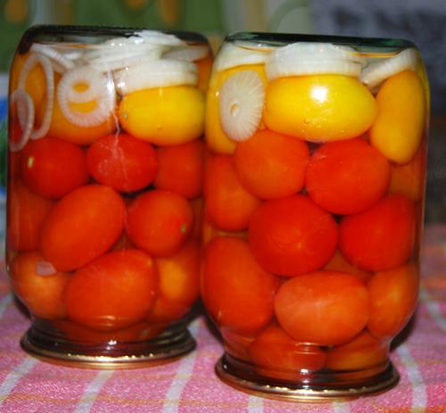 Мариновані помідори без оцту і стерилізації – як маринувати помідори з цибулею на зиму в домашніх умовах.