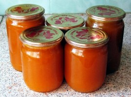 Дитяче пюре з моркви – як приготувати смачне овочеве пюре з соком обліпихи.