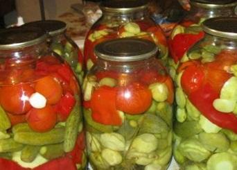 Смачне асорті з огірків, перцю та інших овочів на зиму – як зробити мариноване асорті з овочів в домашніх умовах.