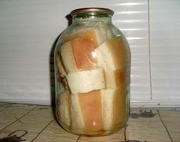 Як консервувати сало в розсолі в банці – хороший рецепт консервації в домашніх умовах.