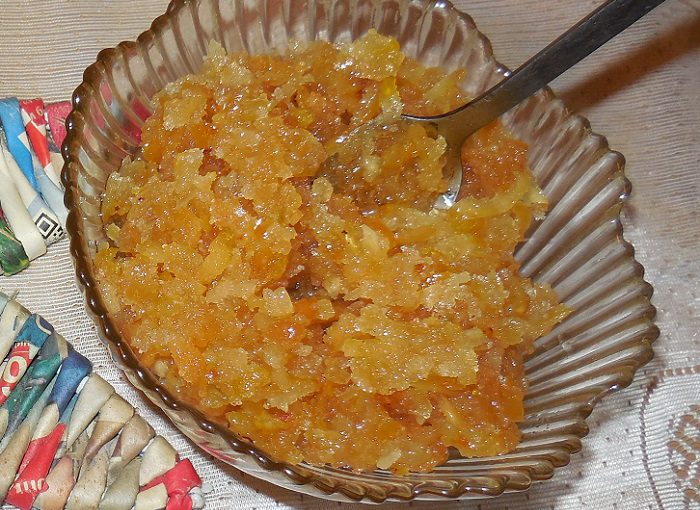 Ароматна сира айва з цукром – проста заготовка з айви на зиму без варіння – рецепт з фото.