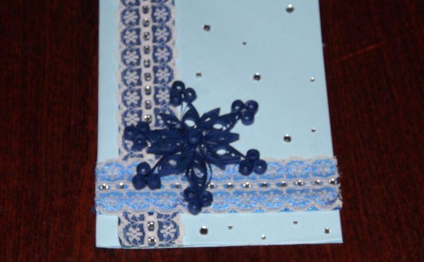 Різдвяна або новорічна листівка в техніці квілінг своїми руками – майстер-клас як зробити новорічну листівку.