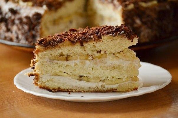 Торт Бананова насолода – смачний бісквітний торт з бананами і сирною начинкою