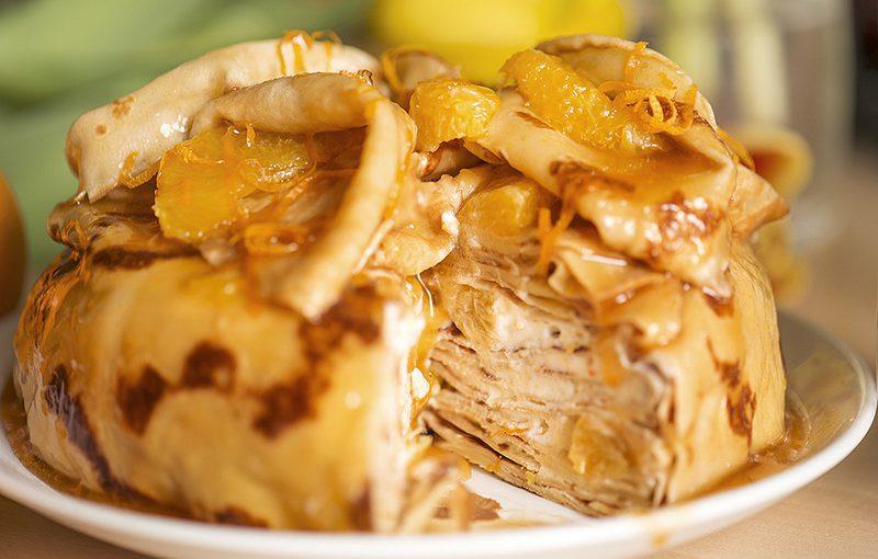 Млинцевий торт з апельсинами, сиром, горіхами та чорносливом – смачний святковий десерт швидкого приготування