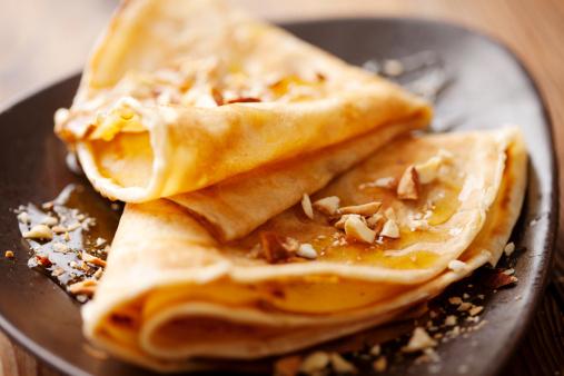 Тонкі французькі млинці або крепи – рецепт тонких млинців на молоці