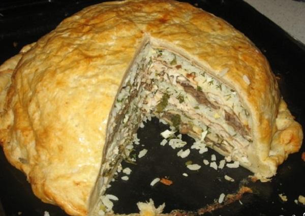 Курник з куркою – класичний покроковий рецепт з листкового та млинцевого тіста