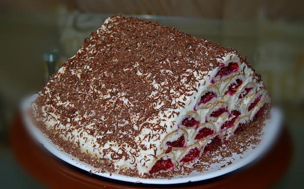 Торт Монастирська хата з вишнею і сметанним кремом – смачний домашній десерт