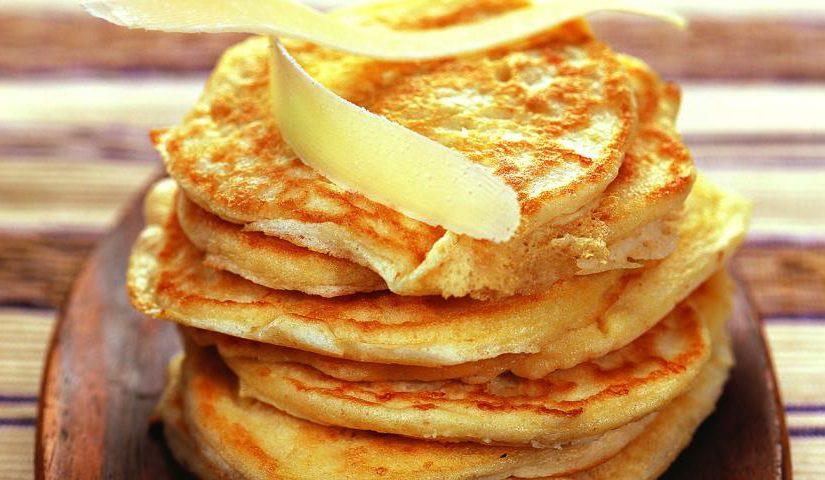 Яєчно-сирні млинці – смачний і простий рецепт сирних млинчиків