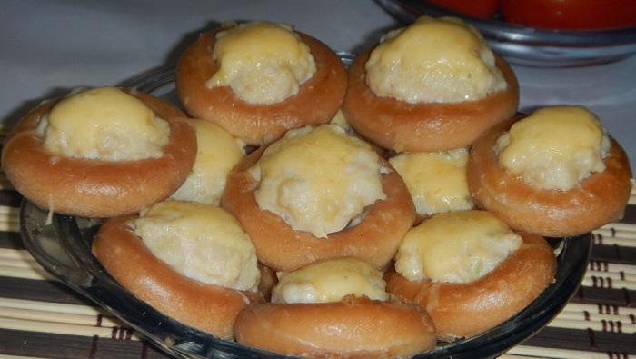 Бублики з фаршем в духовці або фаршировані сушки – простий рецепт закуски