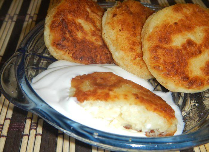Смачні, пишні і повітряні сирники з сиру – простий класичний рецепт сирників