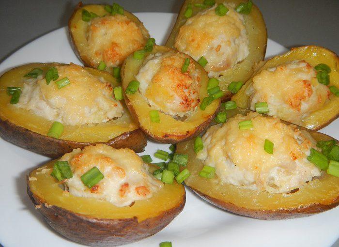Картопля запечена в духовці з фаршем та сиром або смачні човники з картоплі в мундирі з м'ясом