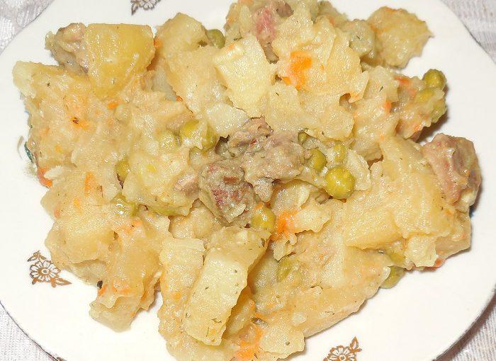 М'ясне рагу з картоплеюв мультиварці – смачно, просто і швидко