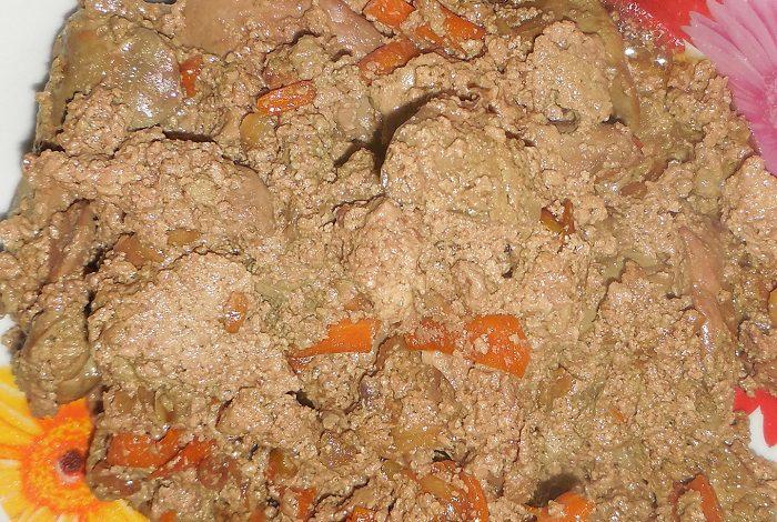 Куряча печінка зі сметаною і цибулею в мультиварці