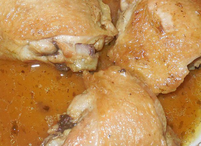 Курячі стегна, тушковані в мультиварці в кисло-солодкому соусі