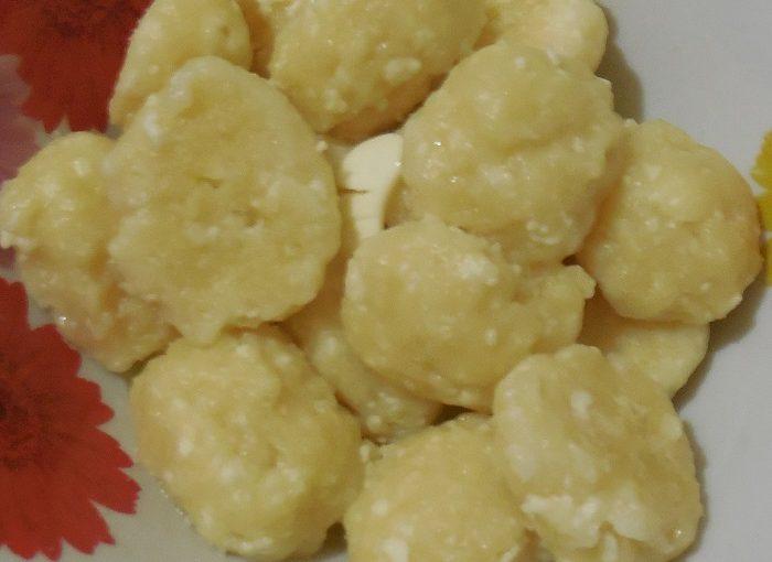 Смачні ліниві вареники з сиру на пару в мультиварці
