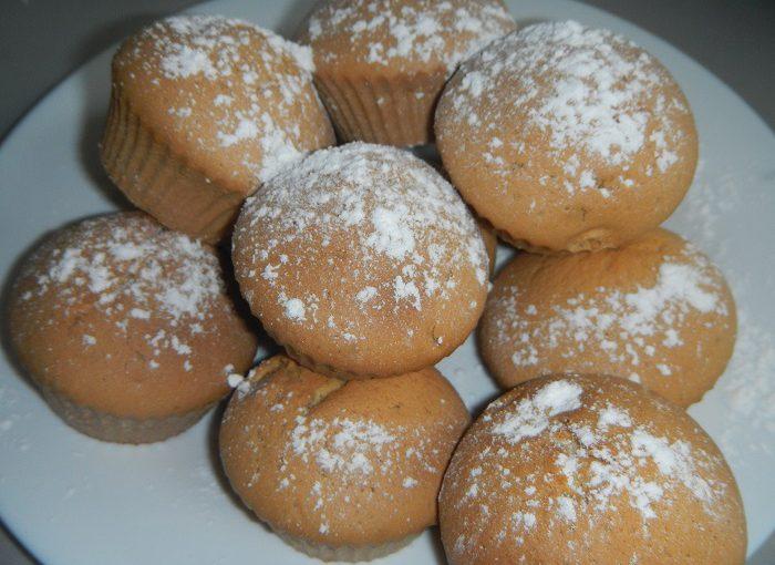 Домашній рецепт найпростішого кексу в силіконових формочках