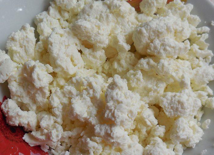 Як зробити домашній сир з молока