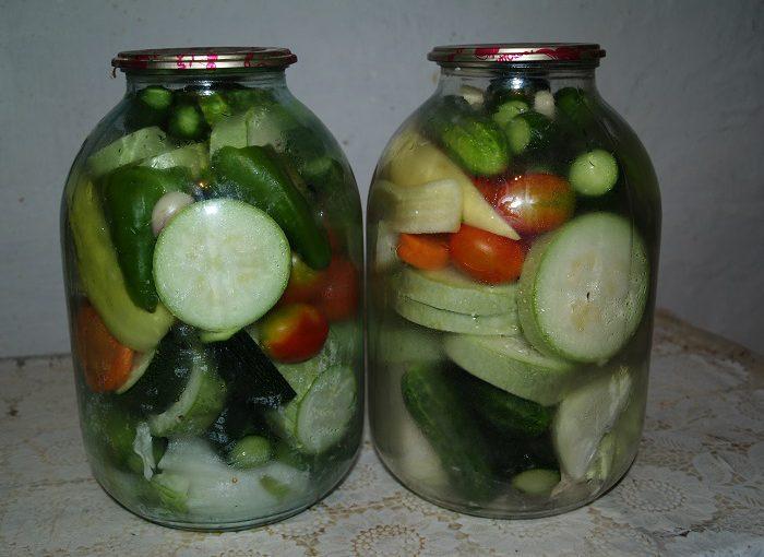Мариноване асорті з овочів на зиму