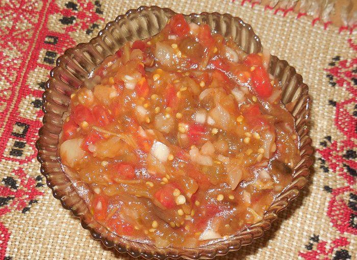 Сира ікра з запечених в духовці баклажан – дуже смачна літня закуска з печених баклажанів