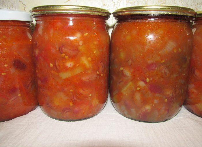 Домашнє лечо з болгарського перцю і квасолі на зиму