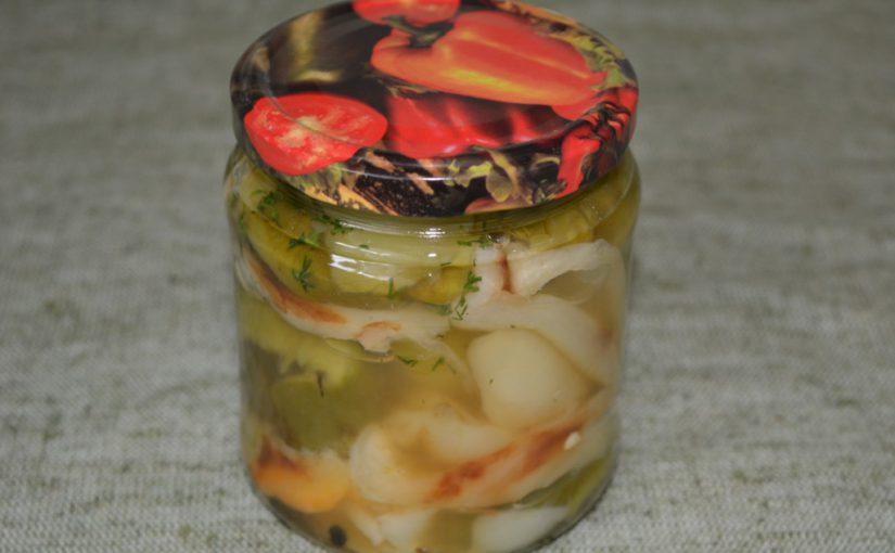 Запечений в духовці болгарський перець маринований на зиму в банках з часником і зеленню