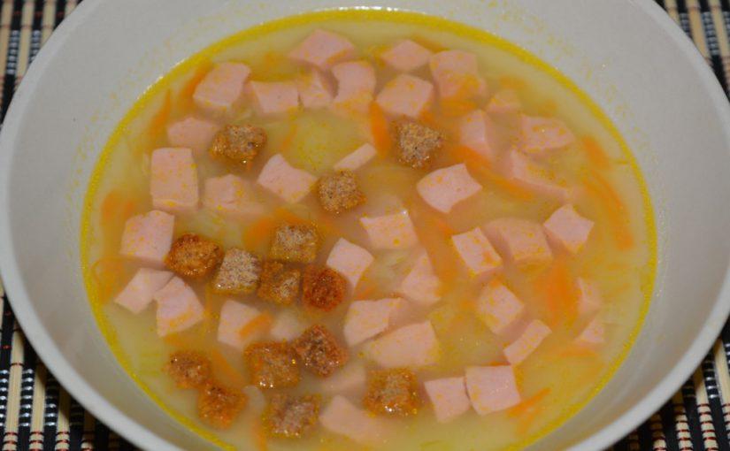 Товченка – картопляний суп-пюре з грінками і вареною ковбасою