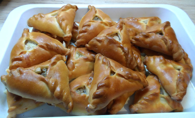 Ечпочмаки – дріжджові трикутні татарські пиріжки з м'ясом і картоплею