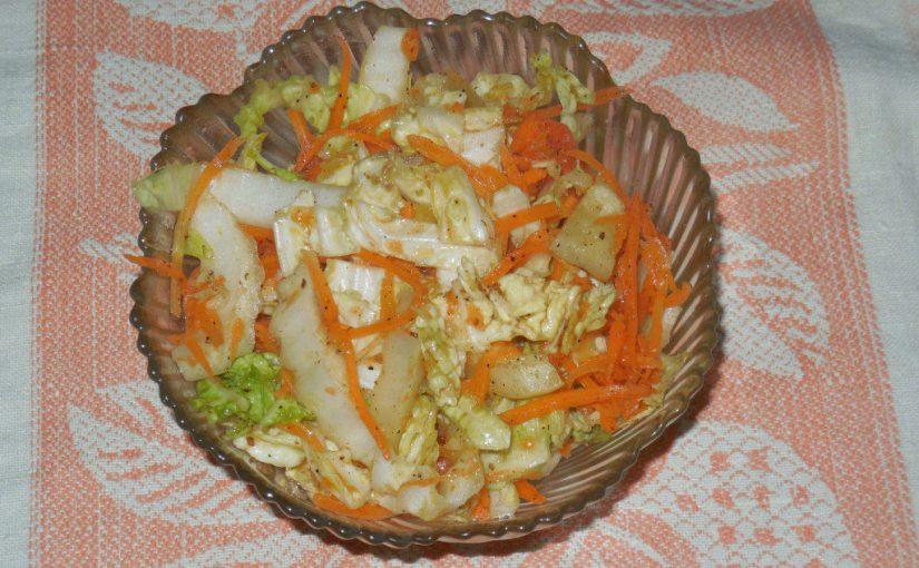 Мариновані овочі по-корейськи: пекінська капуста, морква і перець з часником