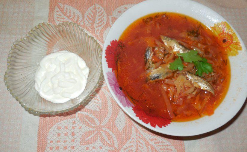 Пісний борщ із кількою в томаті в мультиварці