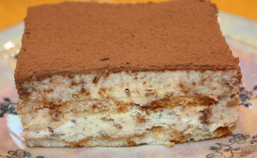 Торт Тірамісу з желатином від П'єра Ерме – вершковий крем з маскарпоне, італійською меренгою і тертим шоколадом