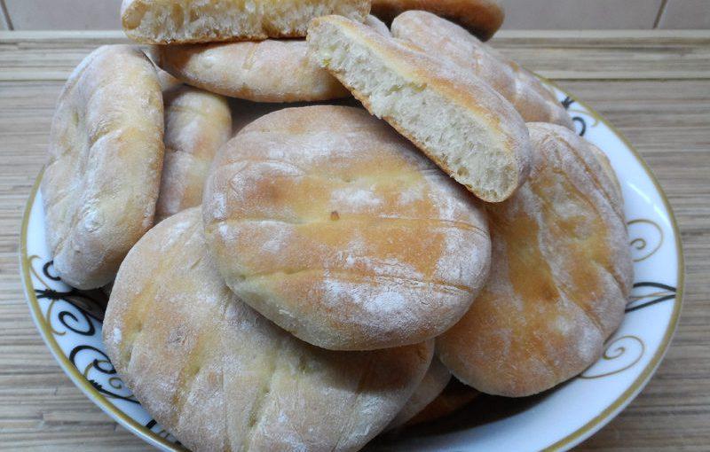 Домашні цибулеві булочки – це смачний цибулевий хліб