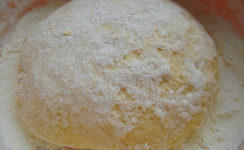 Найкраще тісто для вареників з картоплею на воді