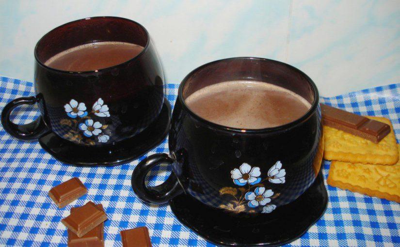 Ванільне какао з молоком – смачний напій для дітей та дорослих