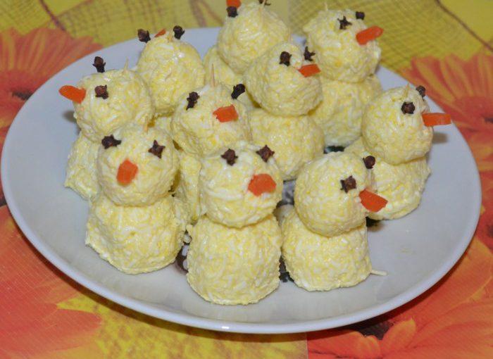 Новорічна закуска Сніговик – смачна гостра сирна закуска