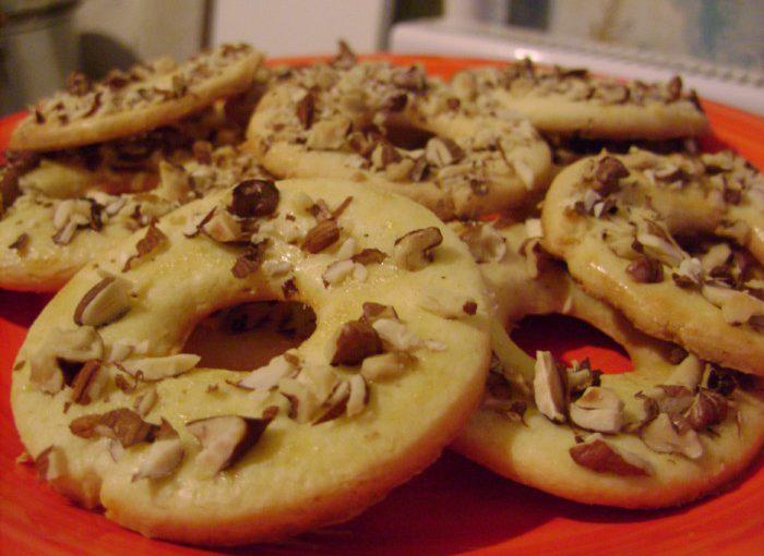 Пісочне кільце з горіхами