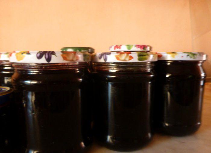 Просте домашнє варення з чорної смородини
